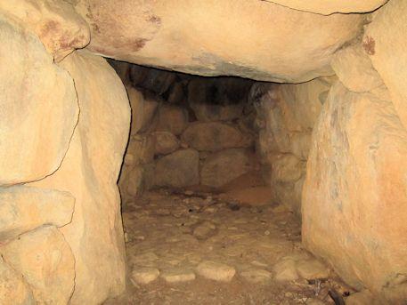 赤坂天王山3号墳の横穴式石室玄門