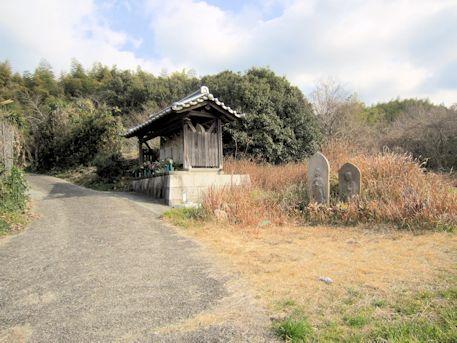 六地蔵の小屋