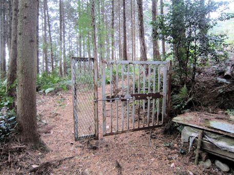 ウワナリ塚古墳の鉄柵