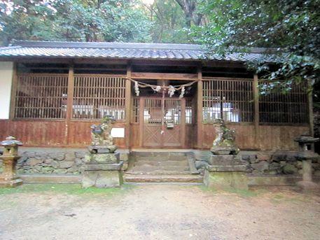 東大谷日女命神社拝殿