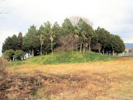 纒向矢塚古墳の墳丘