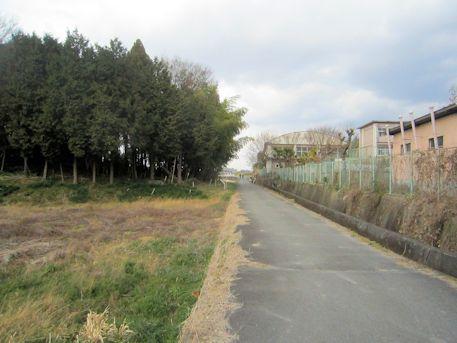 矢塚古墳と纒向小学校