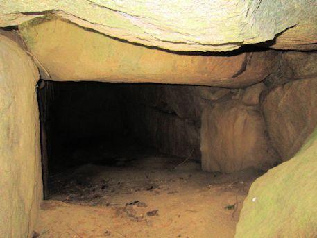 打上古墳の石室