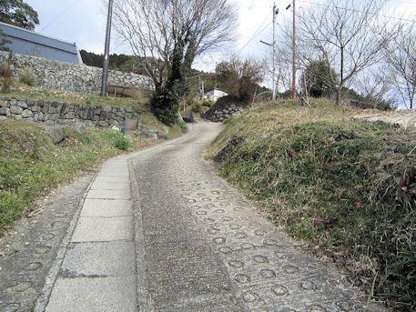 打上古墳への坂道