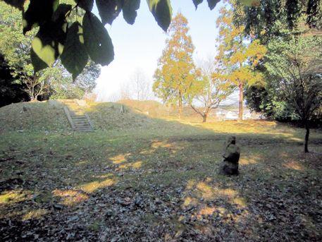 定林寺跡と立部の立石