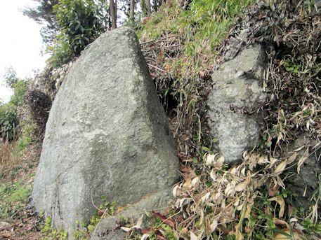 明日香村上居の立石
