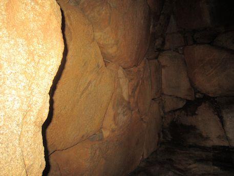 カンジョ古墳の横穴式石室