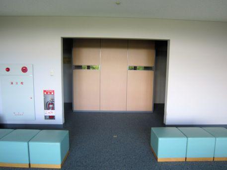 天理参考館3階休憩室
