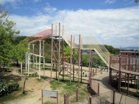 馬見丘陵公園の大型遊具