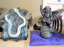 大神神社の蛇の置物