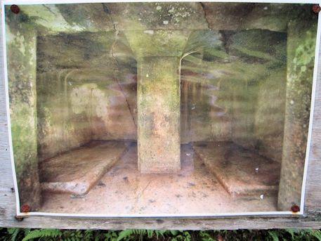 横口式石槨の写真