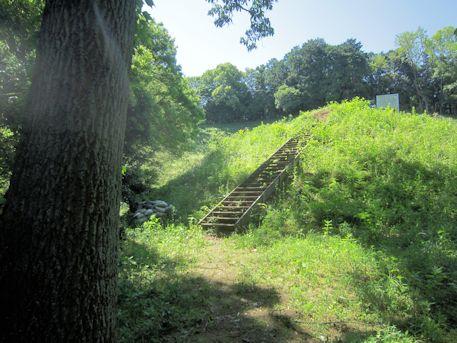 寺崎白壁塚古墳の墳丘