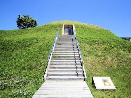 市尾墓山古墳の階段