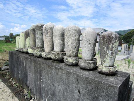 慶運寺墓地