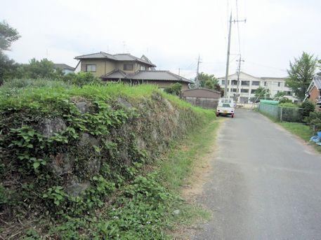 芝村藩陣屋の土塁跡