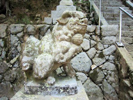川合八幡神社の狛犬
