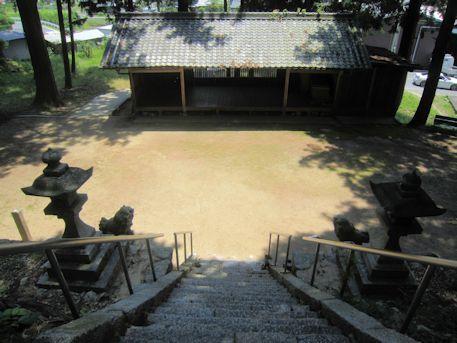 川合八幡神社境内