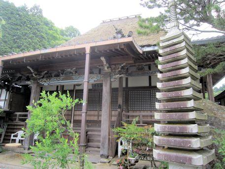西念寺十三重石塔