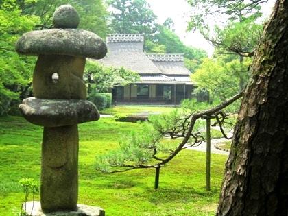 吉城園の石燈籠