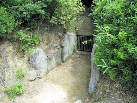 烏土塚古墳の羨道