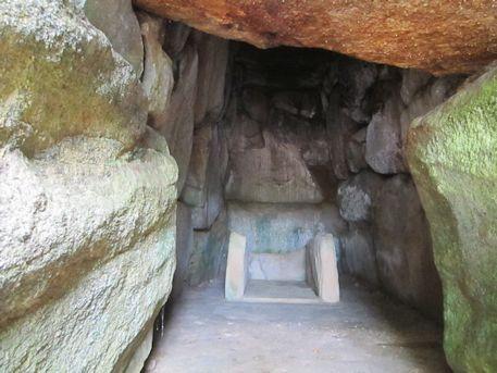 烏土塚古墳の石室