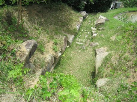三里古墳の横穴式石室