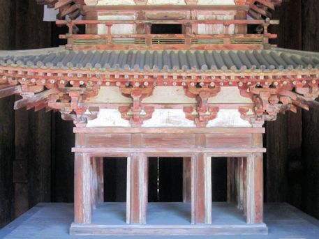 海龍王寺の五重小塔