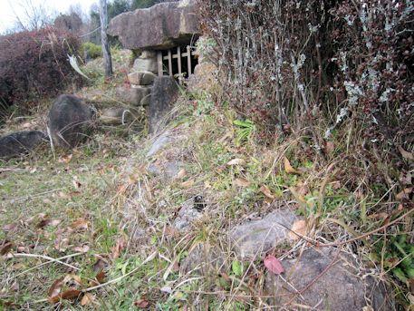 西峠古墳の外護列石