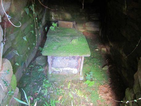 奥ノ芝2号墳の石棺