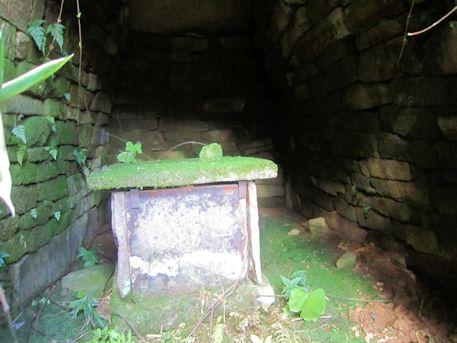 奥ノ芝2号墳の石室