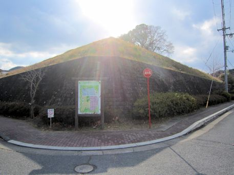 奥ノ芝2号墳の墳丘
