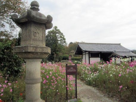 般若寺型石灯籠