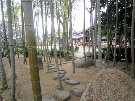 大安寺のミルク塚