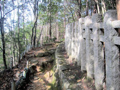 車木天皇山古墳のコンクリート柱