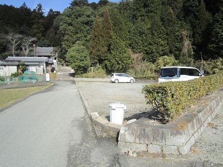 車木ケンノウ古墳の駐車場