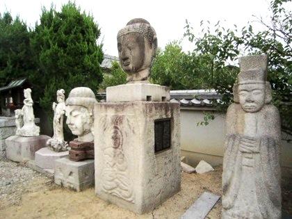 極楽寺の石仏