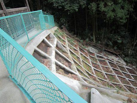 八幡神社のフェンス