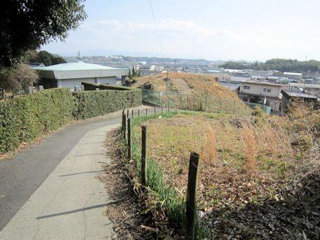 平野塚穴山古墳のアクセスルート