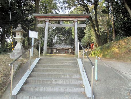 尼寺厨神社鳥居