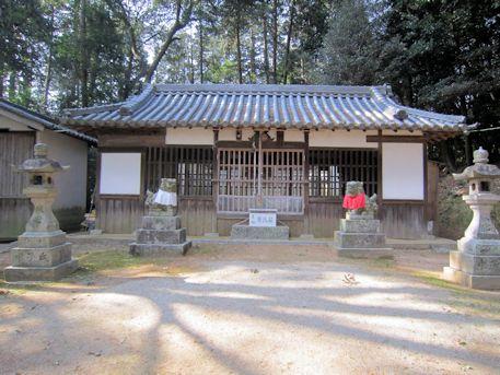 尼寺厨神社拝殿
