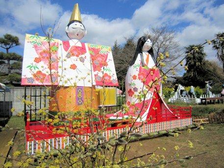 高取町のジャンボ雛