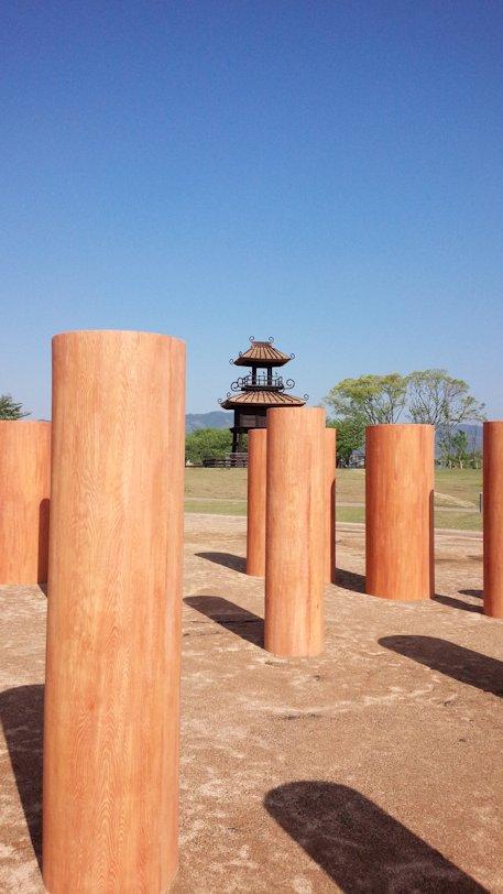 唐古鍵遺跡史跡公園の大型建物の柱