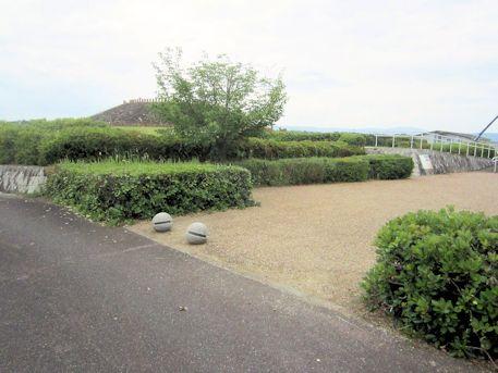 三吉石塚古墳の駐車場
