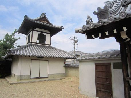 新家長福寺の鐘楼
