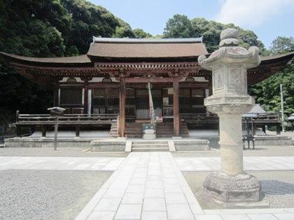 長弓寺の国宝本堂