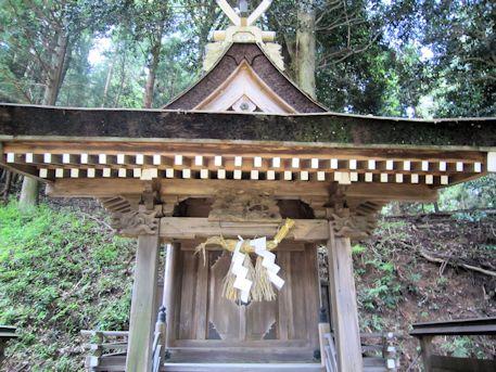 佐佐波多姫社