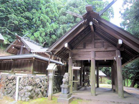 篠畑神社拝殿・本殿