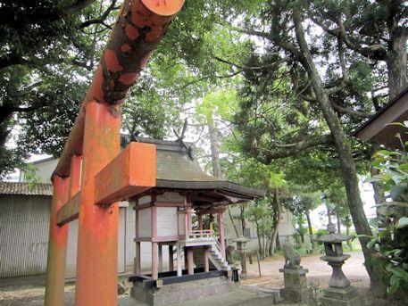 櫟本町の高良神社