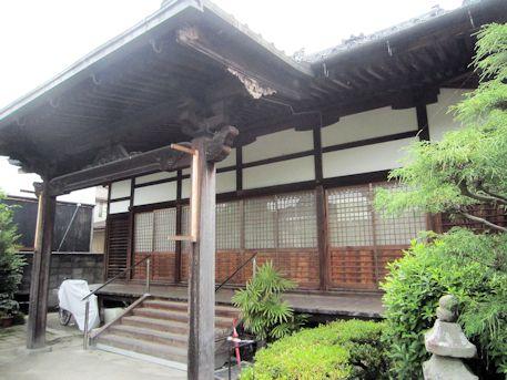 興願寺本堂