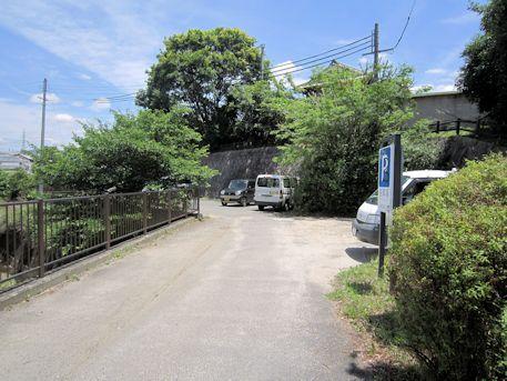 櫟本高塚公園駐車場